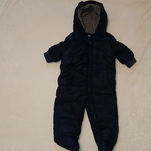 The children's place snowsuit size 6-9 months